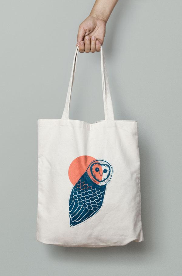 four-fin-graphic-design-canvas-tote-wol